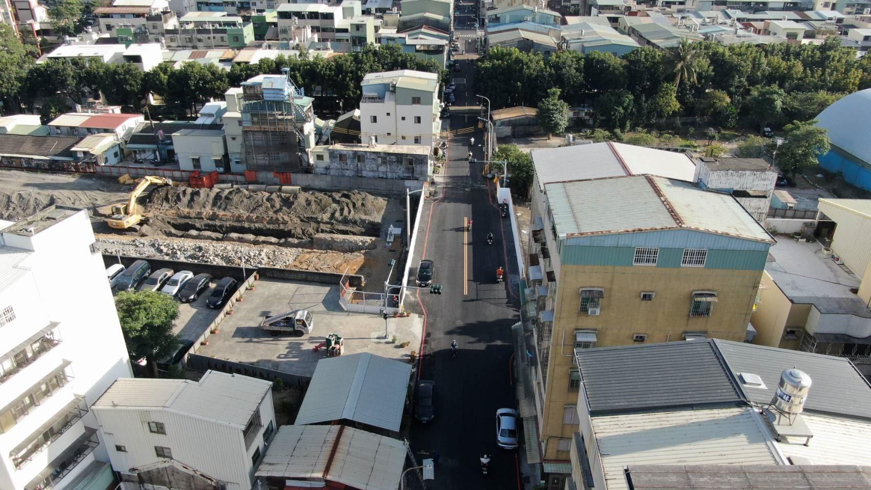 市府打通中庸街讓市民提前體驗道路縫合後帶來的交通便利性.jpg