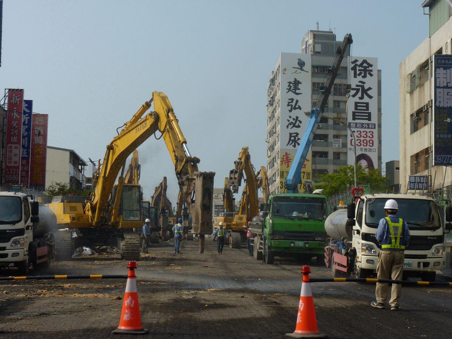 1080316大順陸橋拆除開工-04.jpg