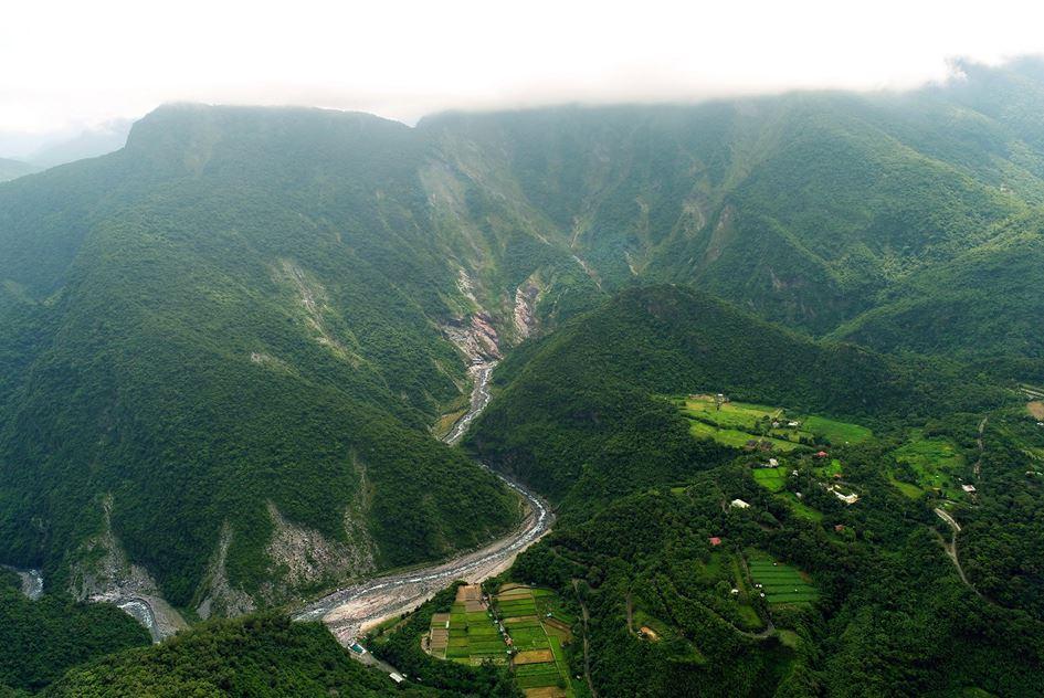 圖片07.茂林區濁口溪兩側山坡遭暴雨侵蝕之情形.jpg